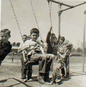 081201 swings, 300 pixels