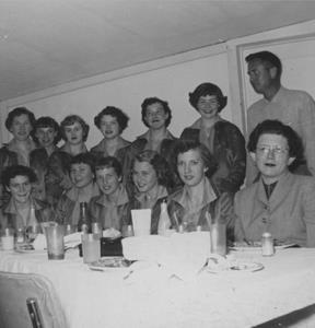 Sr Girls at Nashville 1955 002, 300 pixels